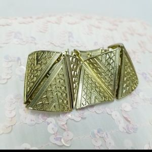 Gold Triangle Shaped Elastic Bracelet